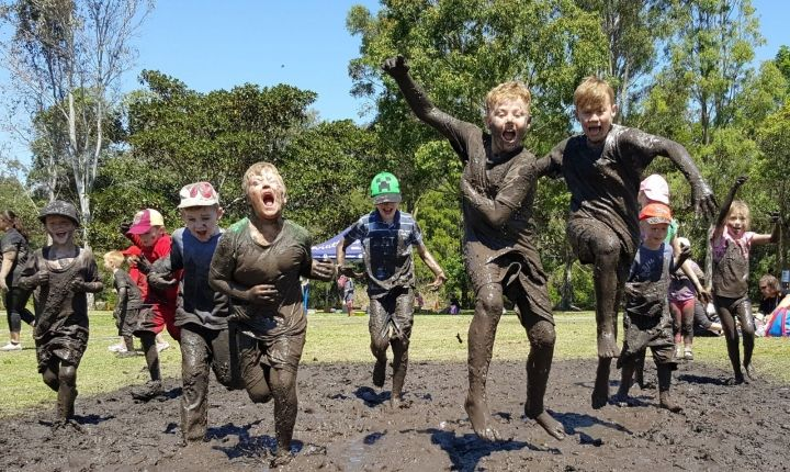 Summer 2 Remember- The 30 Day Nature Play Challenge: 30 day challenges are hugely popular because they are a great way to change unhealthy habits. Many experts believe that it takes just 21 days to replace unhealthy behaviours and habits with new ones, which is why we encourage your family to join our inaugural 30 Day Nature Play Challenge to give you and your kids a #Summer2Remember.
