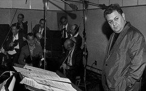 Ενορχήστρωση - μουσική διεύθυνση: Μάνος Χατζιδάκις, ορχήστρα: όλοι οι μουσικοί συνεργάτες του επί σειρά ετών. Νίκος Γκίνος - Κλαρινέτο, Σταμάτης Πρωτόπαπας - φλάουτο, Αναστάσιος Κλαβανίδης - τρομπόνι, Βαγγέλης Σκούρας - κόρνο, Σωκράτης Άνθης, Γεράσιμος Ρευμόνδης -τρομπέτα, Νίκος Λαβράνος, Γιώργος Λαβράνος, Νίκος Κορατζίνος - κρουστά, Βασίλης Τενίδης - κιθάρα, Σωτήρης Ταχιάτης - τσέλο, Ανδρέας Ροδουσάκης - Κοντρομπάσο, Λευτέρης Ψωμιάδης - πιάνο, Αλίκη Κρίθαρη - άρπα, Δημήτρης Βράσκος…