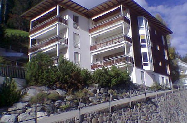Nice and sunny appartment in the swiss alps (ski-resort davos) or typical old italian house with large garden in the italien part of switzerland (ticino)