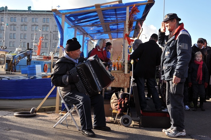 A Piano Accordionist Demands Attention ~ 23 photos of Helsinki, Finland #StreetPhotography