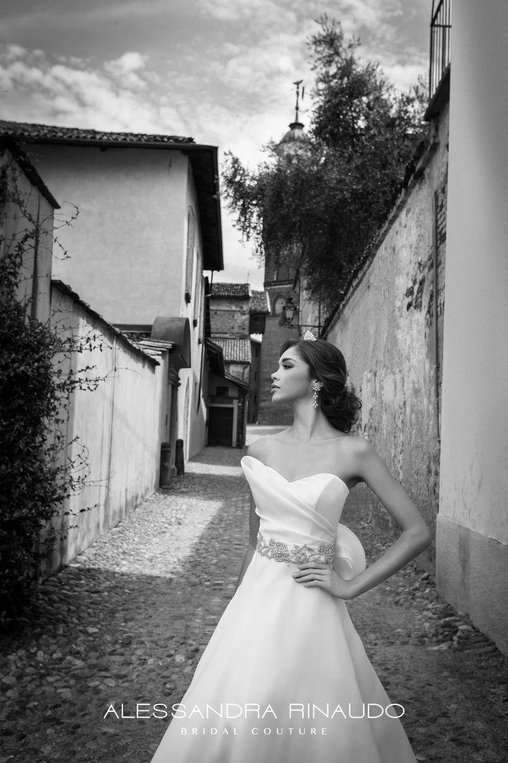 Sabrina www.alessandrarinaudo.it #nicolespose