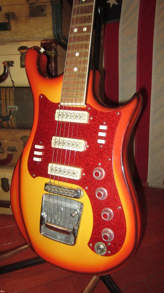 Vintage Circa 1969 Aelita Solidbody 3 Pickup Electric