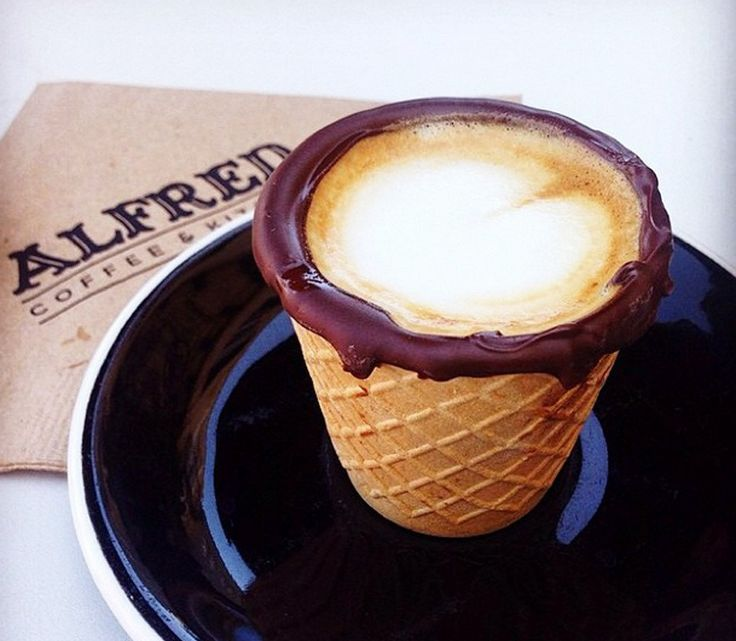 Mouthwatering edible chocolate-dipped waffle coffee cups...  What could be better than coffee and chocolate ;)