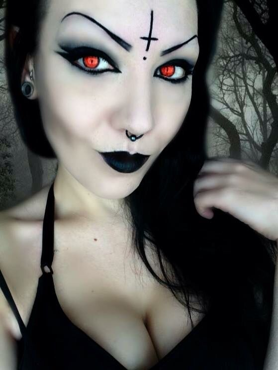 gothic makeup