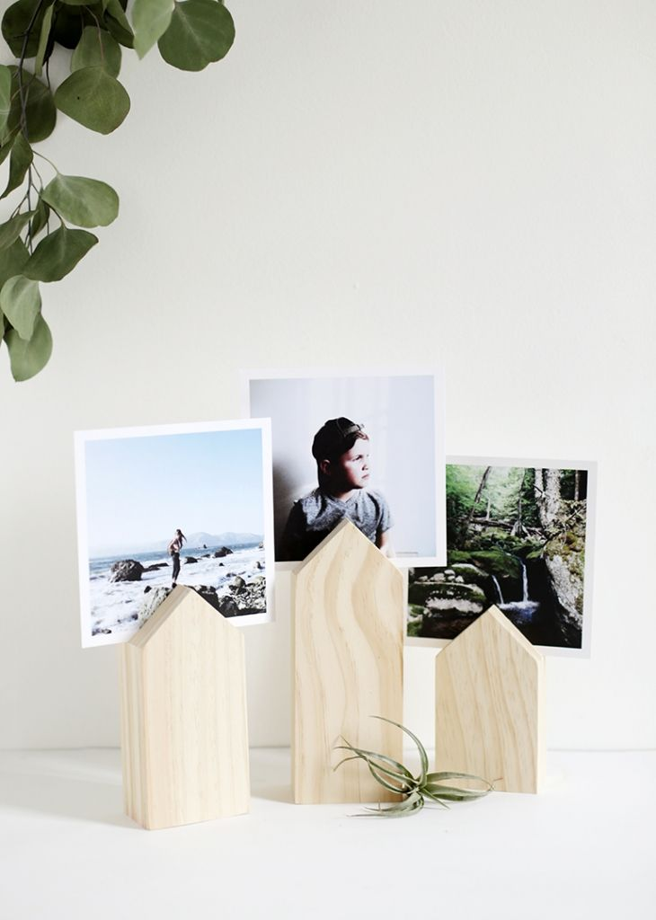 DIY House Photo Display @themerrythought #michaelsmakers