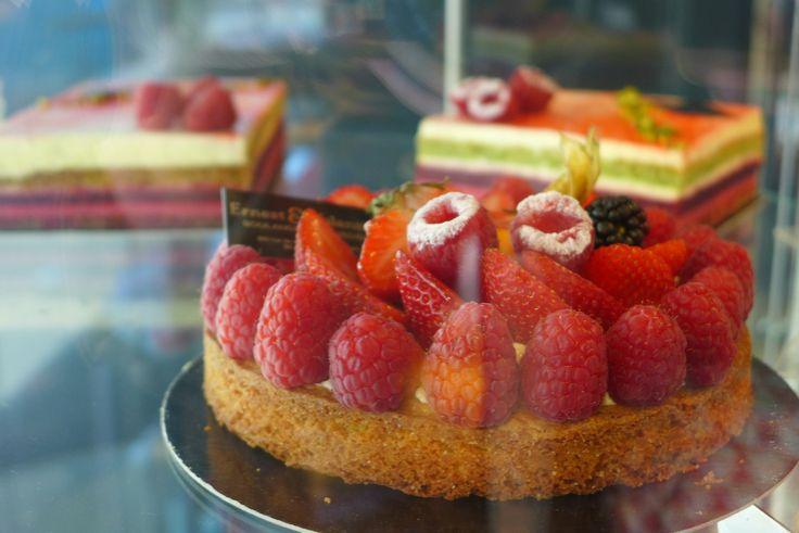 Paris 3e - Ernest & Valentin - Artisan Boulanger & Patissier - 42 Rue Réaumur - Métro Arts et Metiers - Delicious bread, sandwiches and cakes to die for...