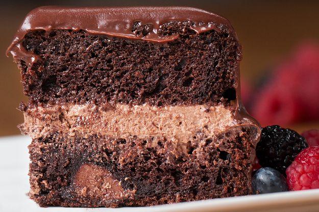 Aprenda a fazer o bolo de chocolate:   Este bolo é perfeito para você que é apaixonado por chocolate