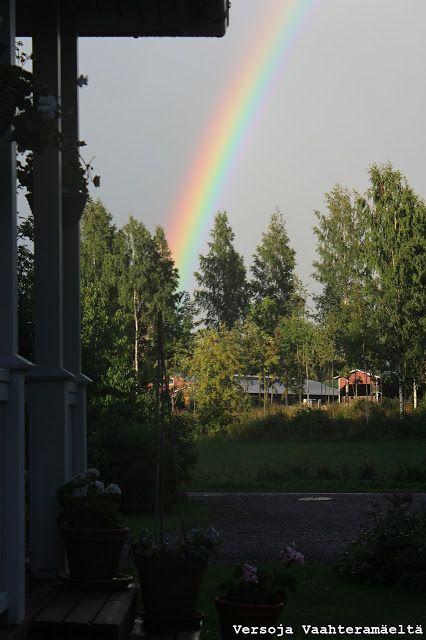 Puutarhanhoitoa, pihasuunnittelua ja luonnon kauneutta käsittelevä blogi. Garden blog from Finland.フィンランドの庭のブログ