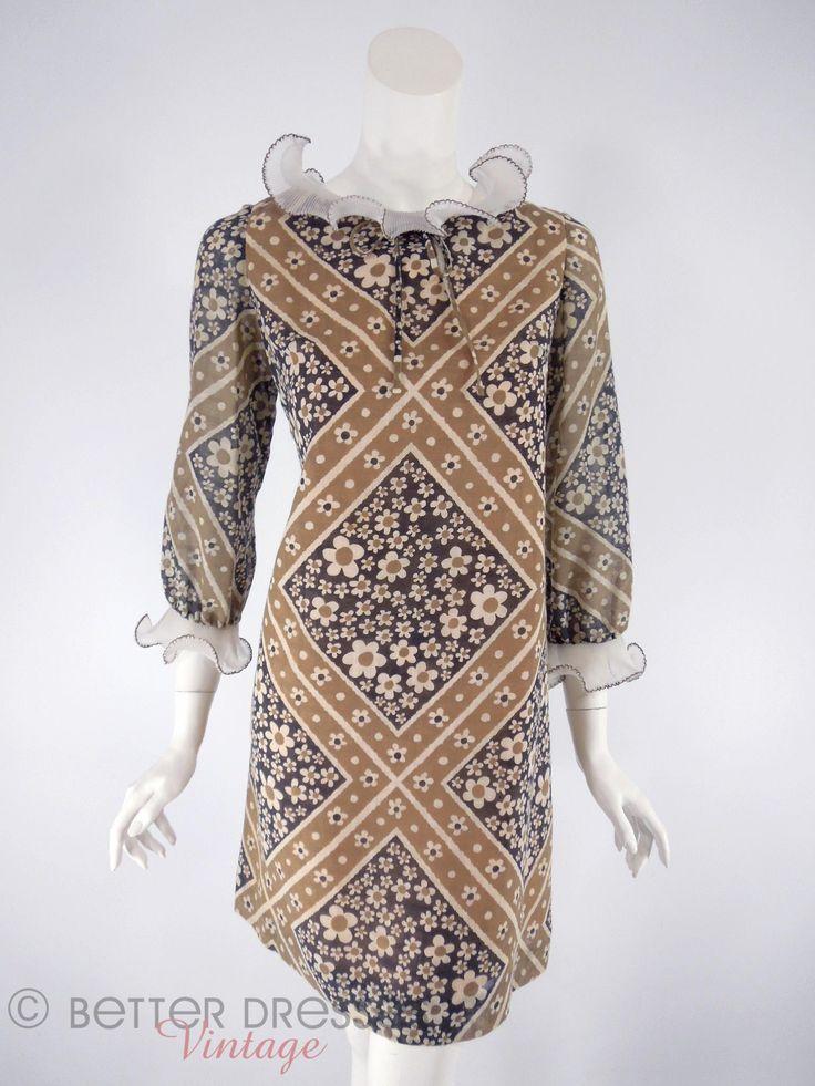 Vtg 1960s Shift Dress. Ruffled Collar Flower Power Mini. Long Sleeves - sm by Better Dresses Vintage