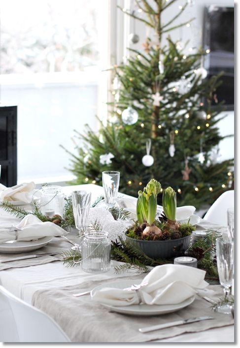 juldukning, adventsdukning, dukning jul blommor, nordic rustic, nordic christmas table, winter table. vinter dukning, christmas table, tabel...