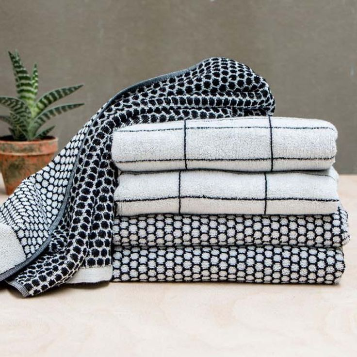 Designstuff offers a range of exclusive Scandinavian bathroom accessories including these stylish quality grid towels by Mette Ditmer, Denmark.