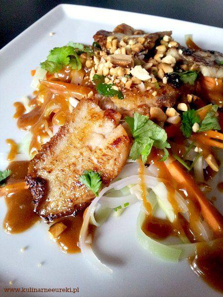 Salatka azjatycka z fladra satay
