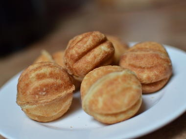 Oreshki/ Орешки (Walnut Cookies). A good Ukrainian wife should learn how to bake these! ;)