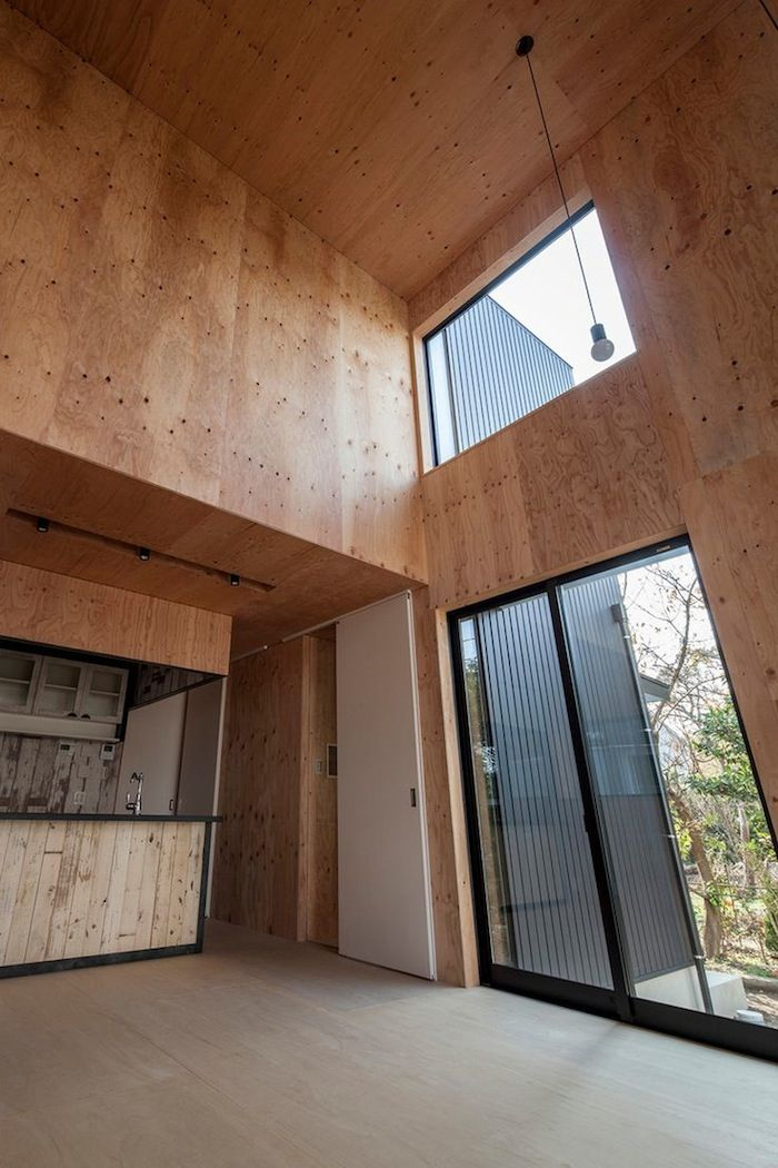 An elevated timber-lined home by Tatsuyuki Takagi Architects. More on ignant.de...