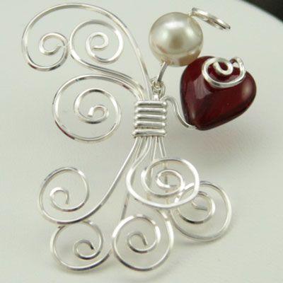 Kelsi's Closet Jewelbox Design | wire jewelry | bead and wire angel | wire spirals