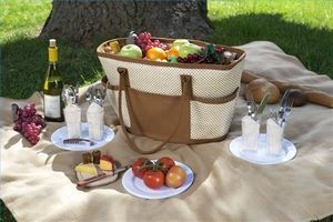 Romantic Picnic Food Ideas thumbnail