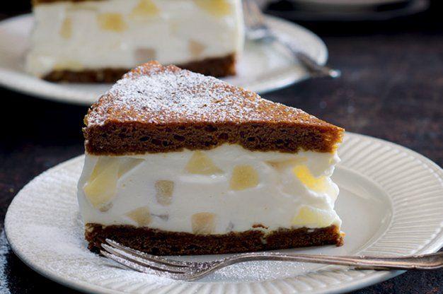 Hruškový cheesecake v medovníku | Apetitonline.cz