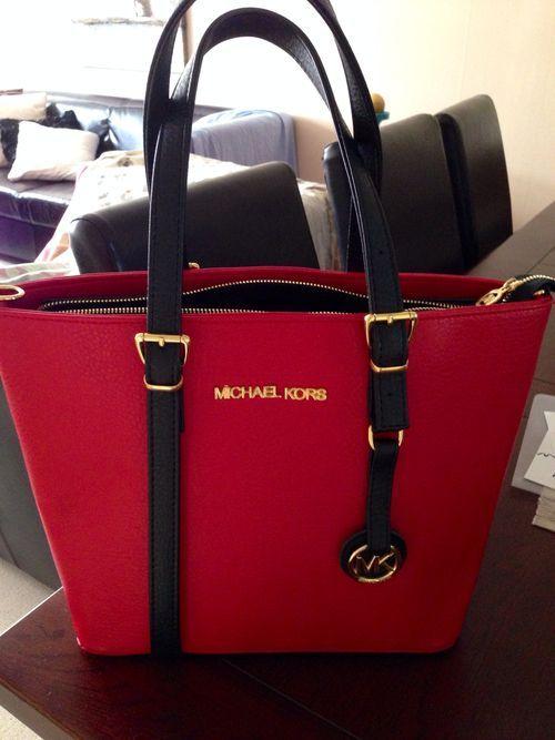 Michael Kors Red Handbags Outlet #MichaelKors | Outlet Value Blog