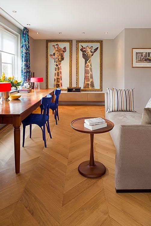 Bank Donghia, sofa Iceland, stoelen Edra, Gordijnen Hermes, tafellampen Flos, bijzettafel Salotti - Doornebal Interiors