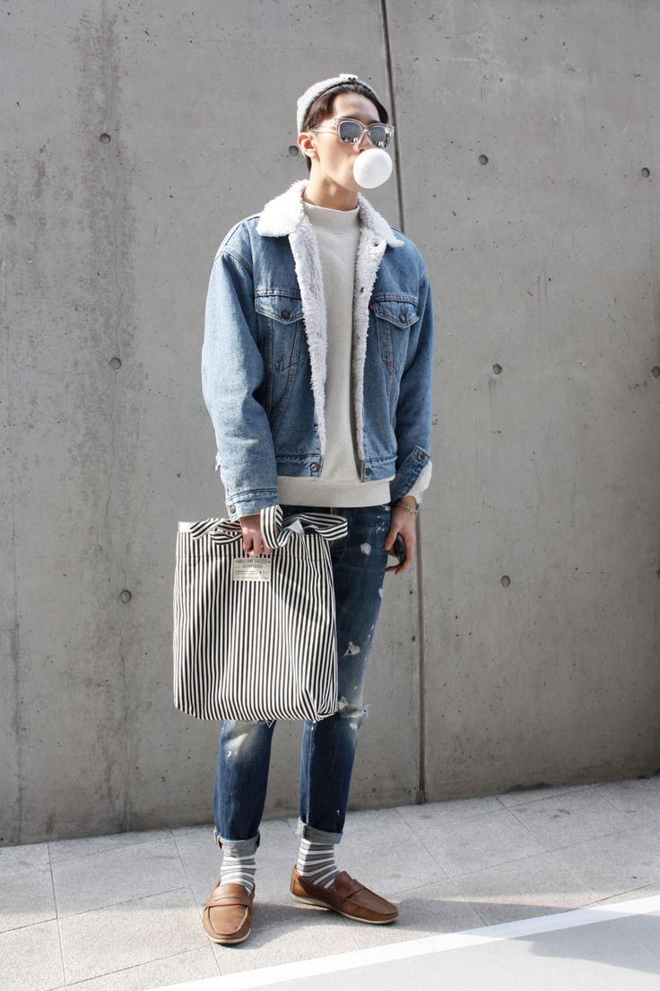 Double Denim Bubble Popping <3 THE WHITEPEPPER at Seoul Fashion Week, photography by Daisy Yun www.thewhitepepper.com/blogs/street-snaps