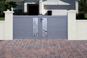 Portail moderne en aluminium design, panneau acrylique ou tôle laser, motif au choix, Finition gris