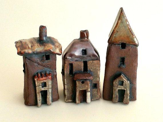 Cerámica hecha a mano de pequeñas casas, casa de barro miniatura, decoración para el hogar, colección escultura, ciudad de pueblito, regalo de inauguración de la casa, regalo de boda