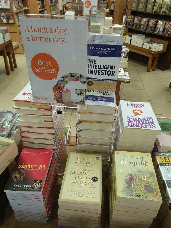 "Wow ..... ""The Rise of  Majapahit (Kingdom)"" historical fiction novel (2nd printed) best seller again at Gramedia Book Store - Plaza Semanggi, Jakarta, Indonesia. - Terima kasih kepada para pembaca, semoga berkenan."
