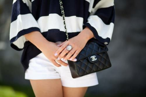 Cant go wrong with a simple monochrome outfit....#todiefor