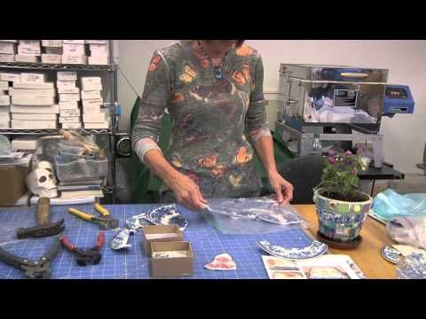 ▶ How to Cut China Plate for Mosaic Art - YouTube