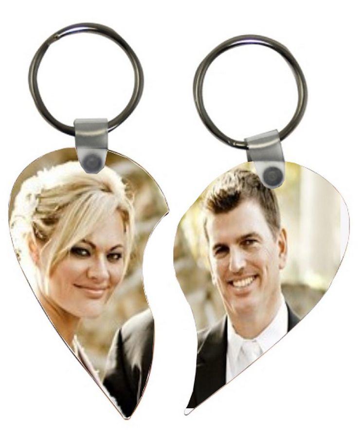 e494654559a9 Gardez avec vous la moitié ce porte clés coeur détachable ainsi vous serez  toujours ensemble.