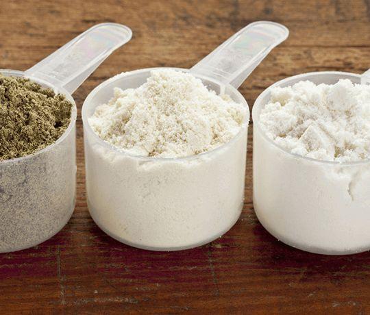 Beslenme yolu ile sağladığımız proteinleri bitkisel ve hayvansal kaynaklı protein çeşidi olarak 2 kategoride değerlendirmek doğru olacaktır. Bitkisel Gıdalar da Bulunan Proteinler Protein denince akla ilk gelen gıdalardan et, süt ve yumurta gibi hayvansal besinler gelir. Hâlbuki bakliyatlar, tahıllar, yağlı çekirdekler ve tohumlar gibi çok iyi bitkisel protein kaynakları da bulunmaktadır. Bitkisel protein kaynaklarındaki eksik […]