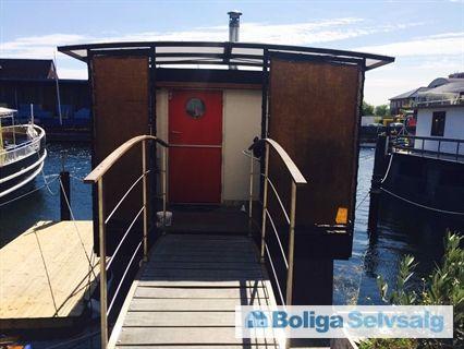 Skibbroen 18, 2450 København SV - Total istandsat husbåd ti minutter fra Rådhuspladsen #husbåd #kbh #københavn #sydhavn #sv #selvsalg #boligsalg #boligdk