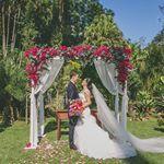 A gente do Lápis é apaixonado por casamentos em geral (e isso não é novidade rs), mas casamentos de dia, ao ar livre, intimista, romântico e um pouquinho rústico mexe com o nosso coração! Há uns dias atrás a Andréa Kapps, uma querida e talentosa que conheci no Estagiárias da Ju, me enviou umas fotos ...