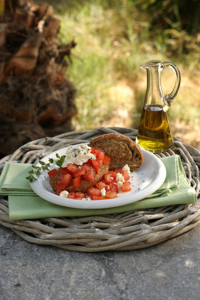 A Barley Rusk Salad called Mostra