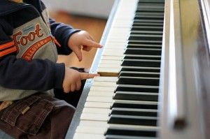 9 Tips for Teaching Piano To Young Ages- Love the tip: Experience, Symbol, Name... experience the concept, connect to the symbol, name the symbol