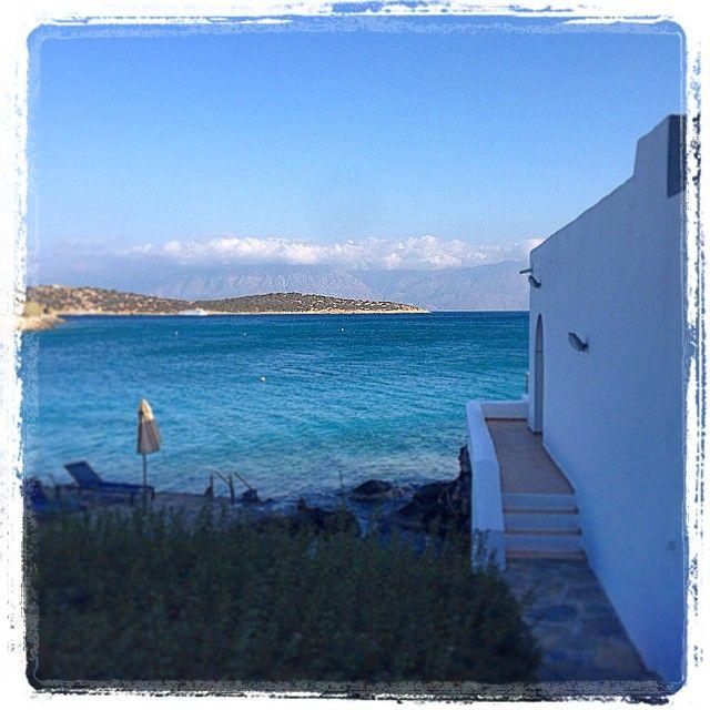 Walks around Minos Beach Art Hotel. Thank you for sharing @syjade !