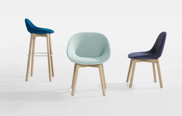 De stoelen Beso van artifort. Ontworpen door Khodi Feiz.