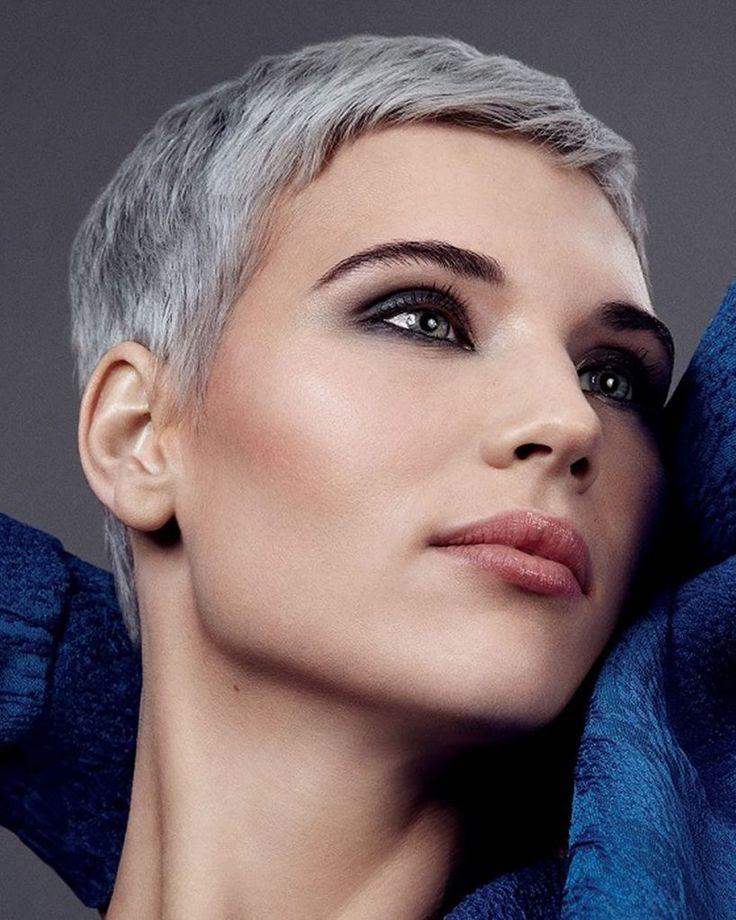 50 Trendy Pixie Haircuts + Short Hair Ideas for 20202021