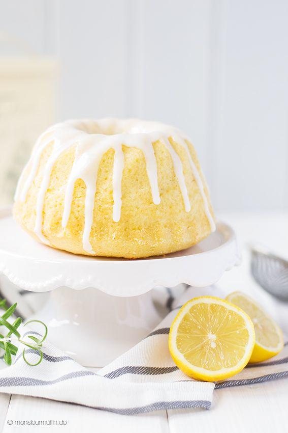 Schon mal einen Kuchen mit Rosmarin probiert? Dieser Zitronen-Rosmarin-Kuchen wird euch überzeugen. Außerdem könnt ihr das Buch Sugar Stories zu gewinnen