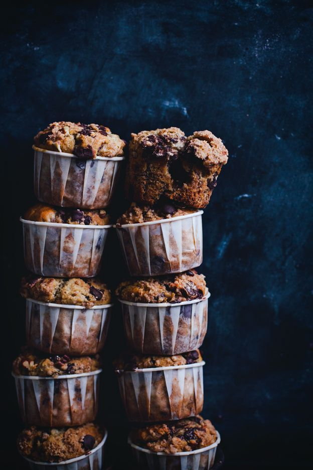 banana chocolate chip muffins with brown sugar pecan streusel /