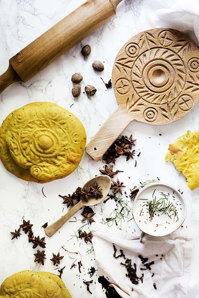 Pan de especias típico de Palestina, súper esponjoso y de característico color amarillo. Ideal para untar en un buen hummus o paté.