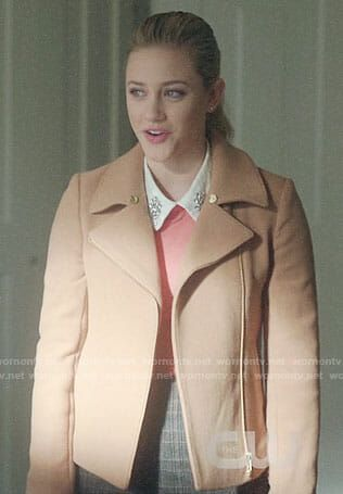 Betty S Camel Jacket On Riverdale In 2019 Riverdale Betty Cooper