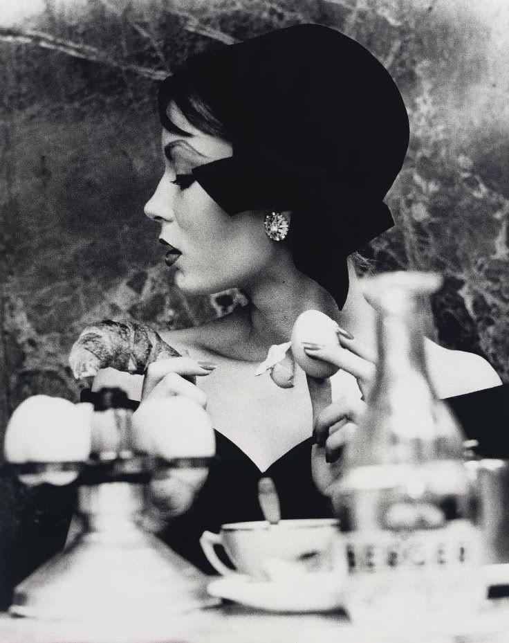 Mary, Egg and Croissant. Paris, 1957. William Klein.