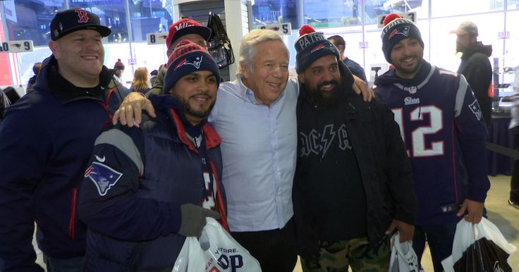 The new Patriots inspired Nike Air Force 1 sneaker hit stores on Friday and Patriots owner Robert Kraft was on hand to check out the shoe and sign several pairs for fans. Check it out on this edition of Toyota's Patriots Today.