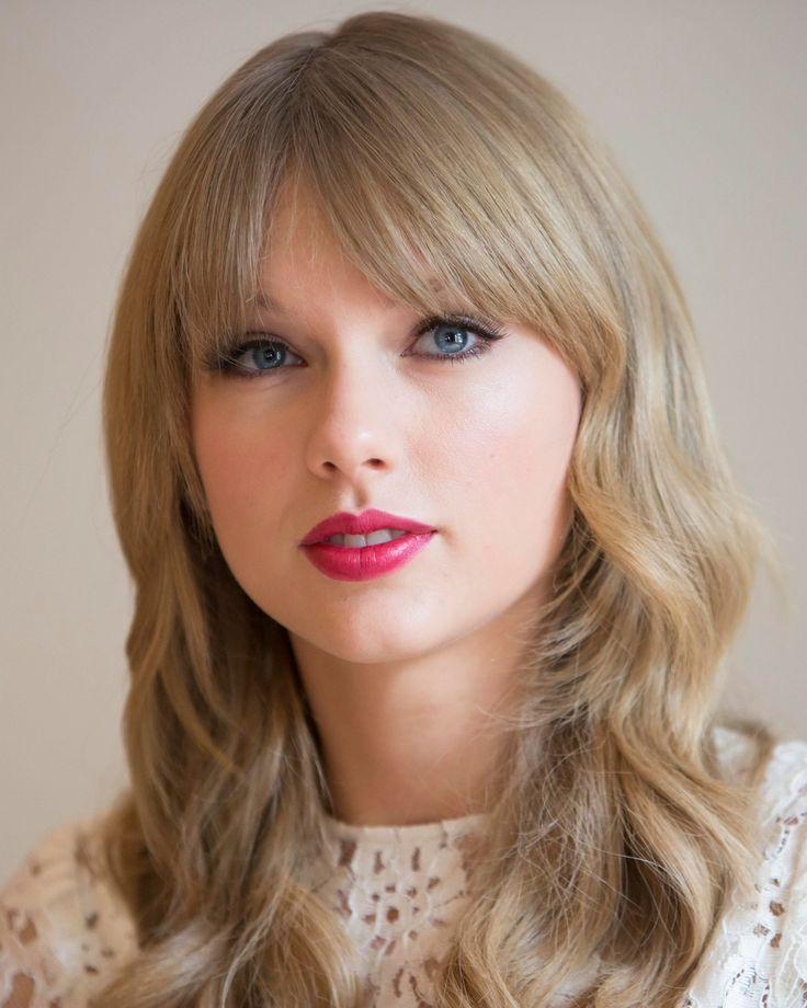 Taylor Swift-I think she is such a beautiful person