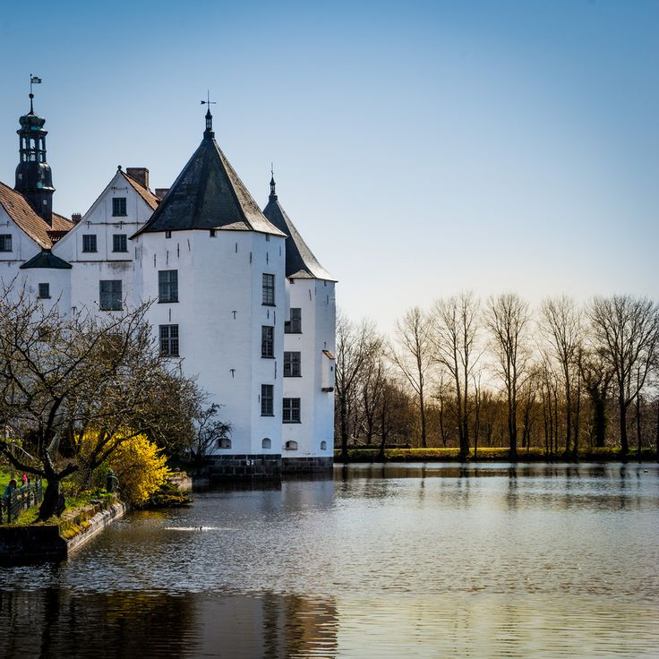 Glücksburg Castle in Glücksburg | Community Post: 18 German Castles That Put Disney To Shame