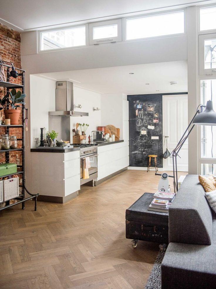 Witte keuken | white kitchen | vtwonen 03-2017 | Fotografie Jantien Bood | Styling Brechtje Troost