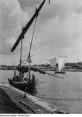 Deutsche Fotothek.     Batavia (Jakarta, Indonesien). Frachtsegler