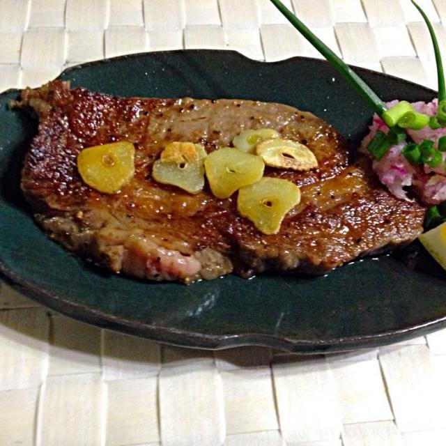 茨城の銘柄牛 『常陸牛』のサーロインを使用しました。 - 8件のもぐもぐ - 雛祭りだよ!ご馳走さんステーキ by tarokobayaRHb