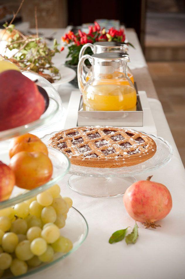 Per una ricca e sana colazione a buffet, Palazzo Indelli propone le delizie tipiche del territorio